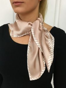 The large side knot