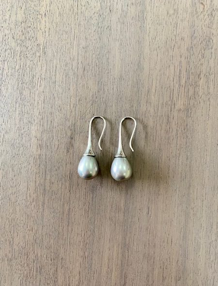 teardrop pearl earrings grey
