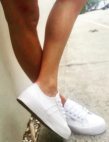 White sneakers in quality soft leather