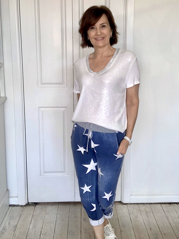Sequin tee with Star jeggings
