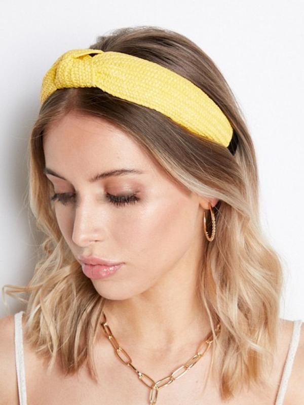 raffia headband with model