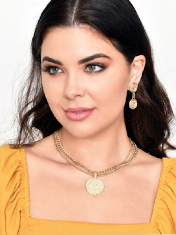 Gold treasure necklace