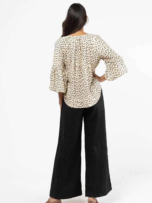 snow leopard top back