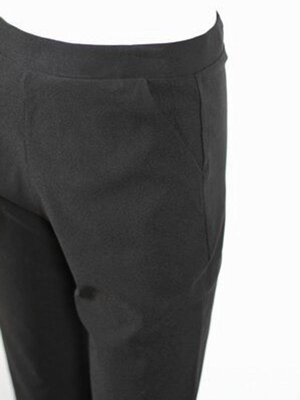 Everyday black pants close